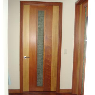 דלתות פנים מאלומיניום